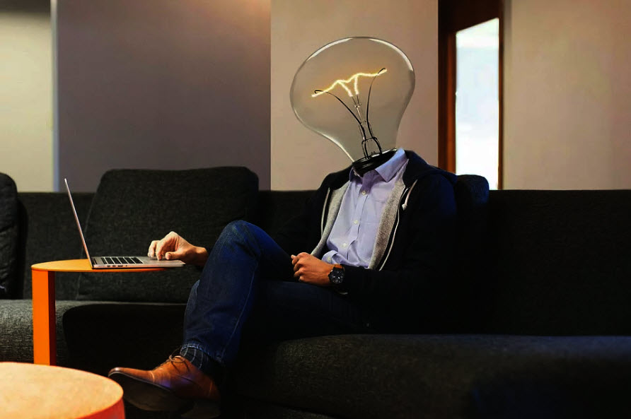 lightbulb-workplace-laptop-idea
